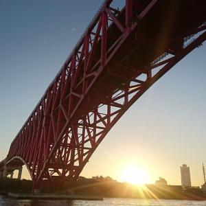 ■大阪港のサンセットクルーズへ~美しい夕日と橋梁群~(大阪府大阪市)