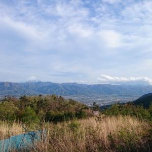 ■露天風呂から富士山と甲府盆地の絶景を望む「ほったらかし温泉」(山梨県山梨市)