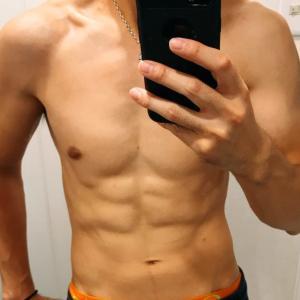 腹筋を割る為に必要な筋トレとダイエットの知識をまとめる。
