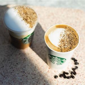 8日間限定!スタバの新商品カラメルラテは第16代コーヒーアンバサダー考案