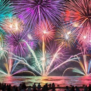 田舎の花火大会は音も景色も大迫力!都内ではNGなサイズの花火も