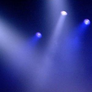 【ショック】シアターGロッソで行われているヒーローショーのお姉さんが、舞台裏でひどいパワハラやセクハラを受けていたなんて…