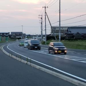 【コストコオープンの影響?】今までそんなに渋滞なかった交差点で渋滞が発生…?