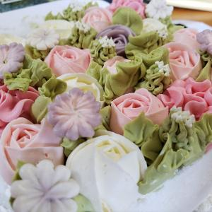 【きれいで食べるのもったいない!?】金田にある高木製菓のフラワーボックスケーキをいただいちゃいました