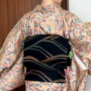 もう一つの大島紬風と二部式帯の稽古コ―デ、仲間の着物とパッチワーク帯
