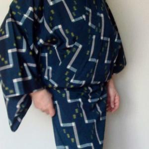 家着物~帯を使わないで着る着物(浴衣)