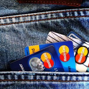 ANA還元率が高い学生が持つべきクレジットカード 【5選】