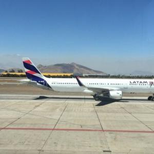 【ウユニ】サンティアゴから飛行機とバスで行く①