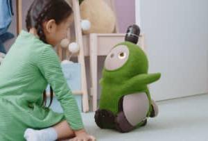 家族型ロボット「LOVOT」がついに出荷開始!保育士からも子どもの心の成長を育む効果に期待が