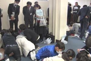 新年度から小学校で必修化 プログラミング 甲斐市で公開授業