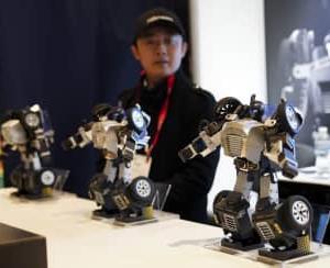 米NY玩具見本市で中国企業が革新的なロボット紹介