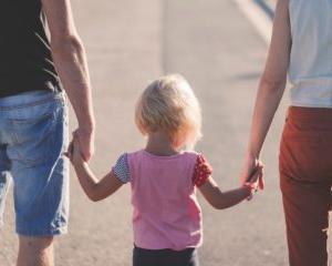 育児休業で社会保険料免除!ボーナス月に1日の育休取得で10万円以上得する方法