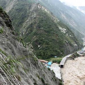 「中国国内最危険十条公路 」