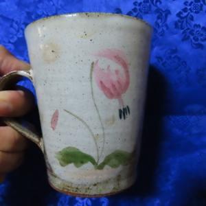 陶房春悦さんのカタクリカップ/赤足のエゾリス