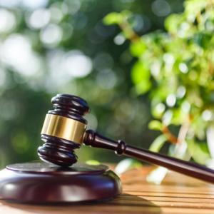 アルバイトにボーナスや夏季休暇なしは違法。大阪高裁が下した判決は画期的なのか。