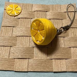 立体レモン(「レモンの日」には間に合わなかったけれど)【紙バンド・エコクラフト手芸】