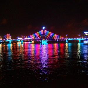 ベトナム「ダナン」の夜景をナイトクルーズで!