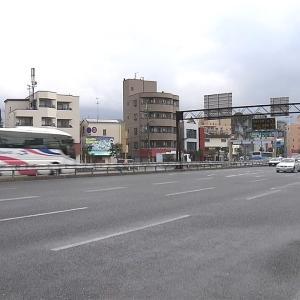 【ニュース】大阪府 自転車と大型トラックがぶつかり70歳代の男性死亡…片側5車線で中央分離帯近くを自転車で走行 27歳男を現行犯逮捕