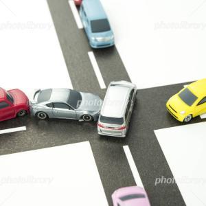 【ニュース】京都 繁華街で多重事故 歩行者ら4人が重軽傷 タクシーの追突が原因か