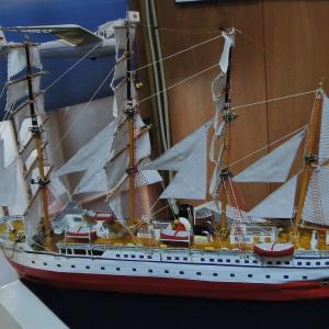 手作り帆船の修理