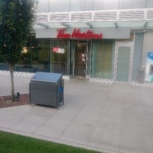 カナダ最大のドーナツチェーン店Tim Hortons(ティムホートンズ)