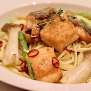 北海道産の生秋鮭で作る『鮭のペペロンチーノ』のレシピ*