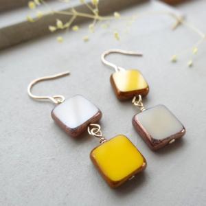 「French Beads/スクエア/ベージュ&イエロー(K14GFフックピアス)」