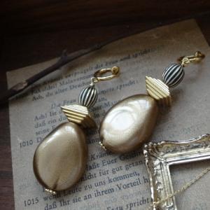 新作「gold beads earrings / 大きめビーズのフープイヤリング」