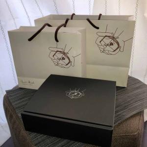 化粧箱と紙袋が、納入されました。