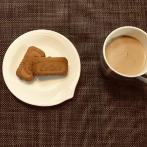 手づくりおやつ リベンジロールケーキ→敗退…/ラムレーズンサンド〜2種のビスケットで〜