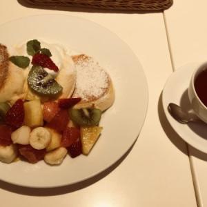 幸せに包まれる幸せのパンケーキ〜季節のフレッシュフルーツパンケーキ〜