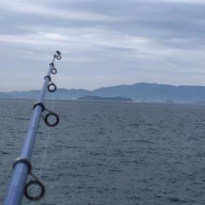 冬場の釣りは昼間も完全防寒具で
