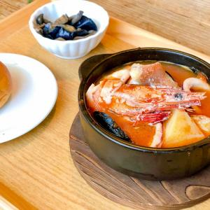 【ランチ】煮込みビストロ ReEnで薫炎魚介のブイヤベースとパンを食べてきたよ