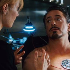 トニースターク の 心臓 にあるのは?破片の手術をすぐしない理由