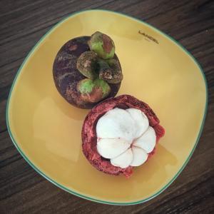 シンガポールで南国フルーツを食べよう - 女王マンゴスチン -