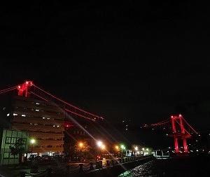 梅雨の合間の若戸大橋ライトアップ