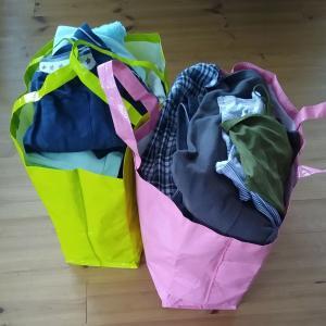 【捨て】サイズアウトなどした子ども服をリサイクルショップへ