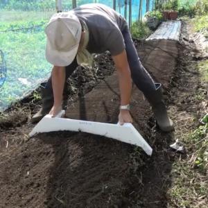 [家庭菜園]福田式畝ならしを作る