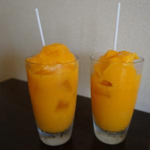 西表島で味わえる絶品のマンゴージュース。パーラー美々は子連れでも安心して入店できます。