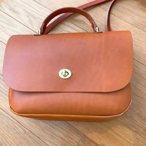 Mimi berry(ミミ ベリー)のレザーバッグ(Rosa)を購入。10年使う気持ち。