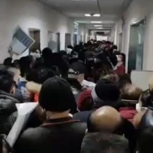 【コロナ悲報】日々の武漢市の発表はデマか?中国民より密告。隔離施設にて日毎数百人亡くなっていた件