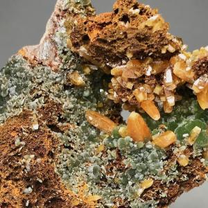 オハエラのモリブデン鉛鉱とミメット鉱 Wulfenite and Mimetite from Ojuela