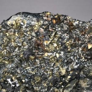 砒四面銅鉱 Tennantite