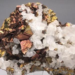 宮田又の黄銅鉱と方解石 Chalcopyrite and Calcite from Miyatamata