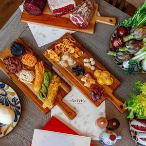 北海道産の旬の食材を使用した窯焼きピッツァや手打ちパスタ