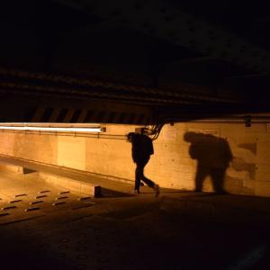 ガード下わずか1.5m 新駅開業で姿を変える高輪橋架道橋