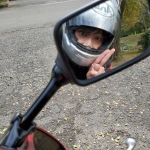 変身姿なバイク乗り…