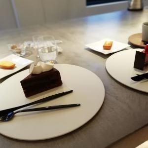 【デートに最高のカフェ】 アンリ・シャルパンティエ