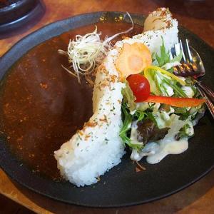 黒部ダムカレーを信濃大町駅前で食べるなら、豚のさんぽ!(長野県大町市)