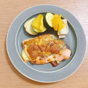 ヘルシオで塩麹漬け鮭のチーズ焼きとニュートリショナルイーストについて【簡単レシピ】